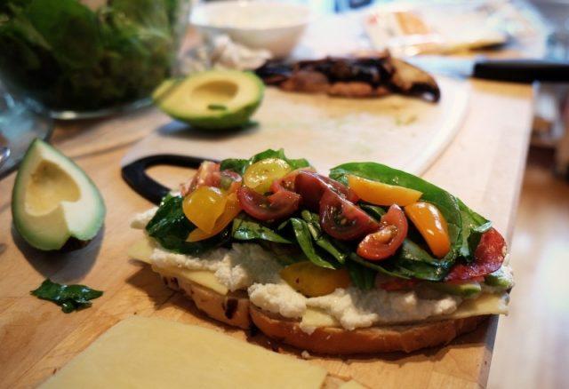 kanapka z sałatką