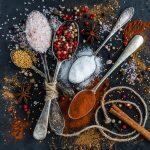 Papryka chili, cynamon, kurkuma oraz inne przyprawy na odchudzanie